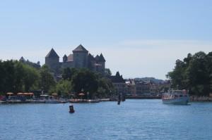 Annecy vue depuis le bateau.