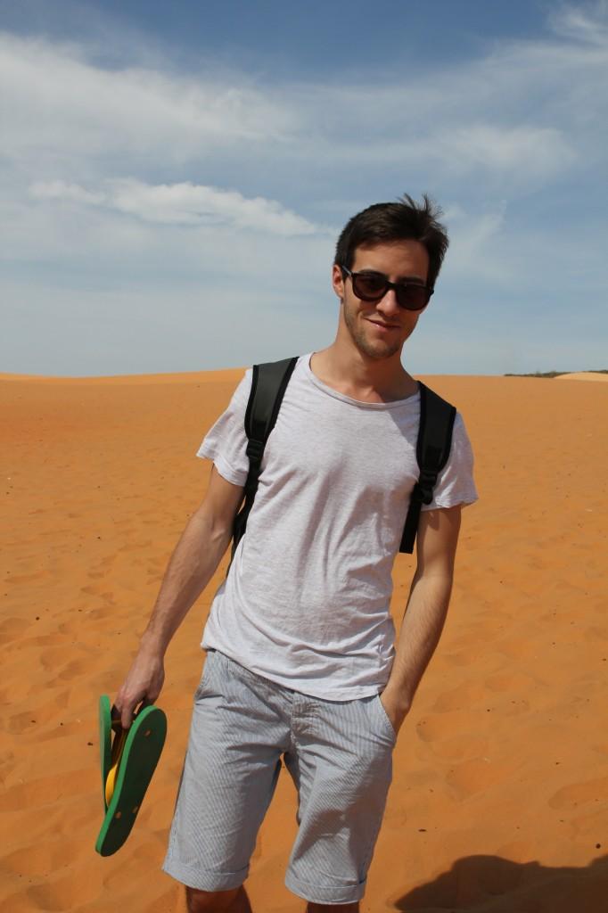 Brice au Vietnam, à Mũi Né, dans un des petits déserts de sable de la région. ©Dat Hyunh.
