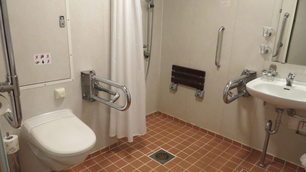 Corsica Ferries salle de bain pmr