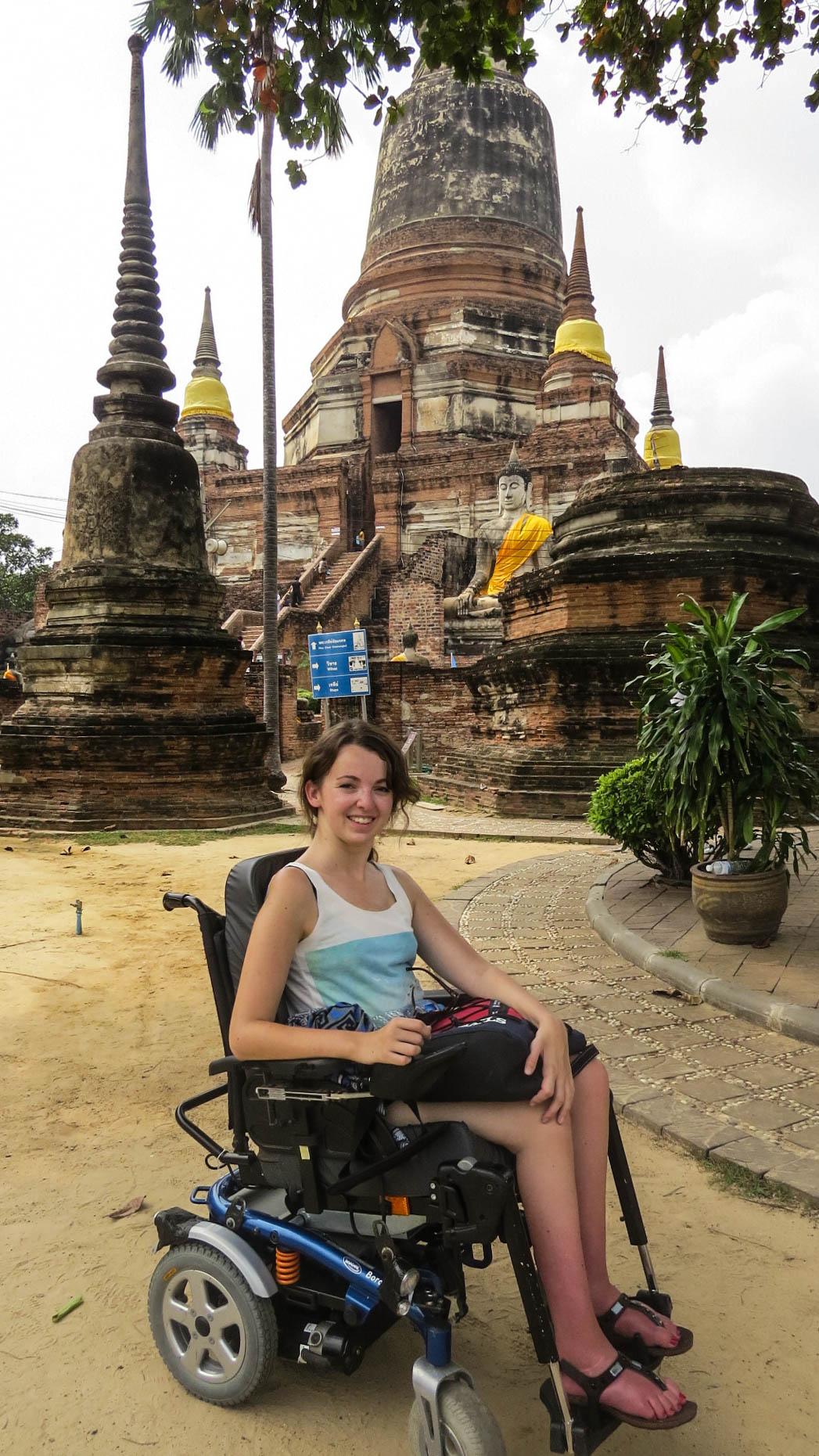 Wat Yai Chaimongkol fauteuil roulant Ayutthaya
