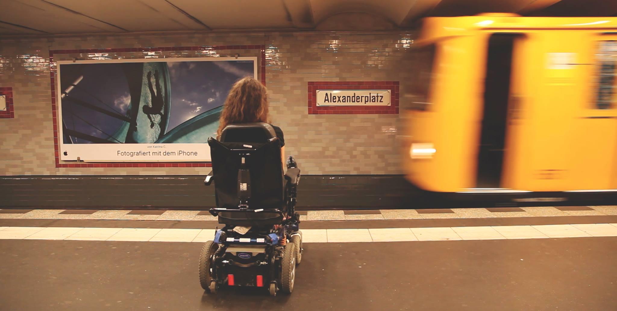 Le métro de Berlin accessible en fauteuil roulant.