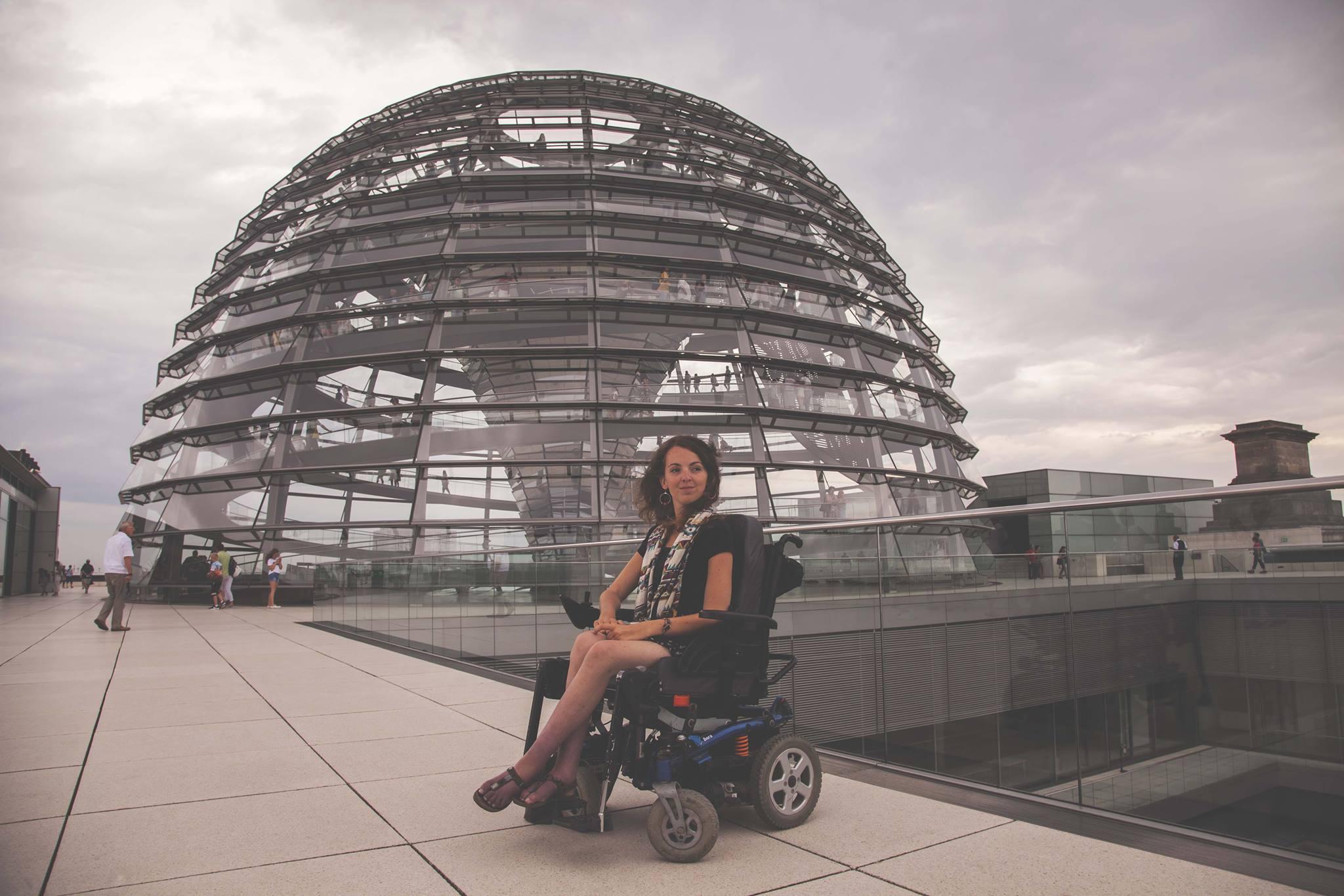 La coupole du Reichstag est accessible en fauteuil roulant.